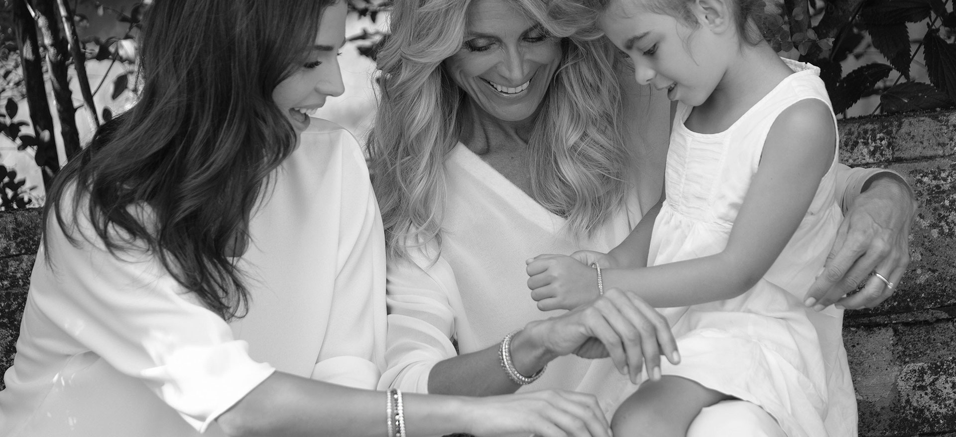 flexible tennis bracelet from mother to daughter